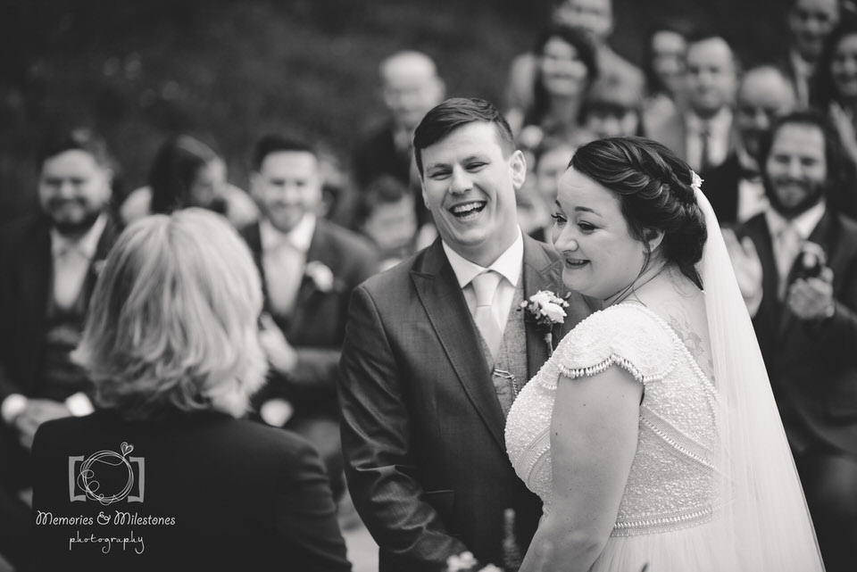 Relaxed wedding photographer Devon