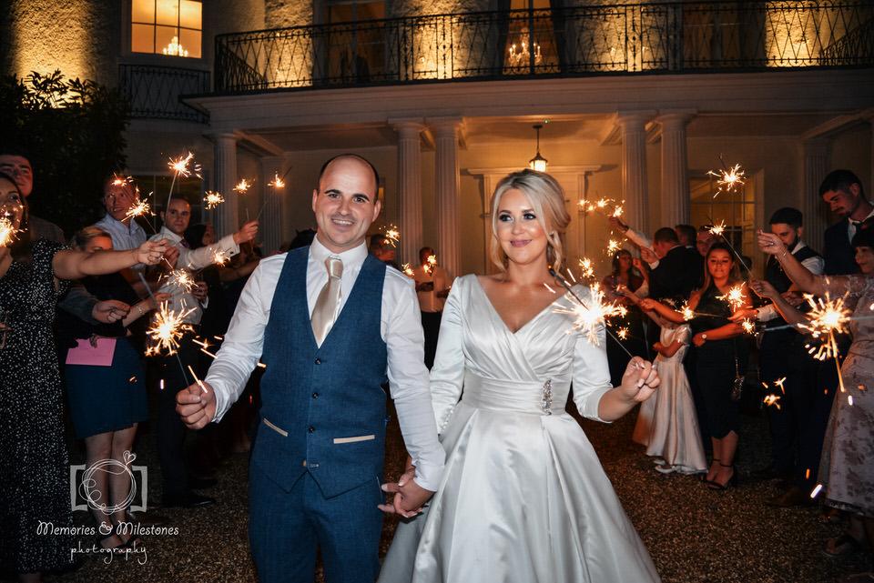 wedding sparkler photo tips
